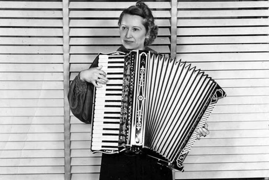 accordion lady