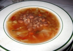 Basque bean and cabbage soup