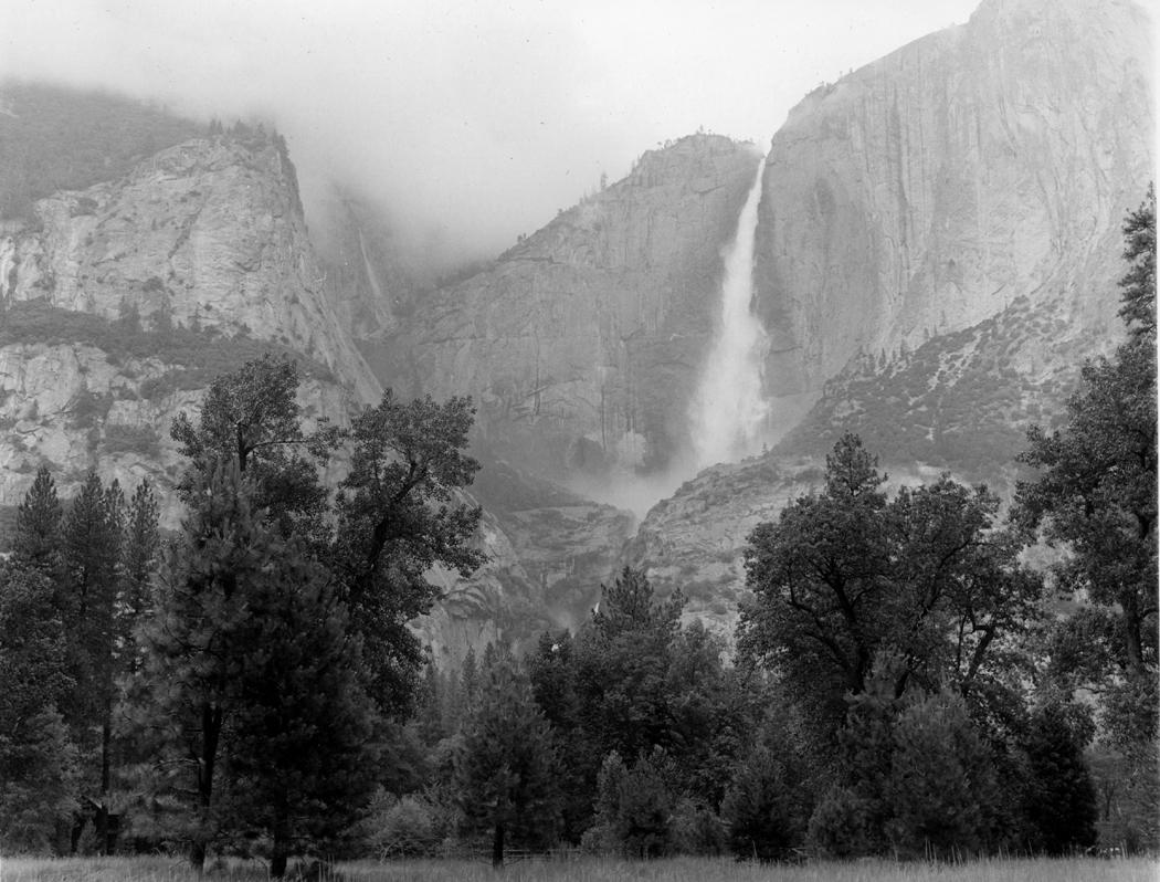 Yosemite Falls, Yosemite NP Calif