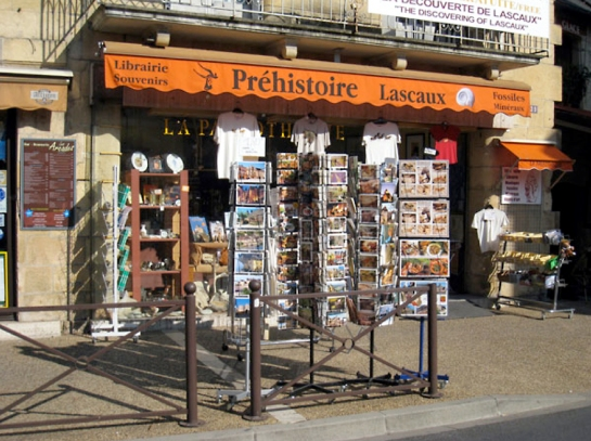 Postcards for sale, Montignac