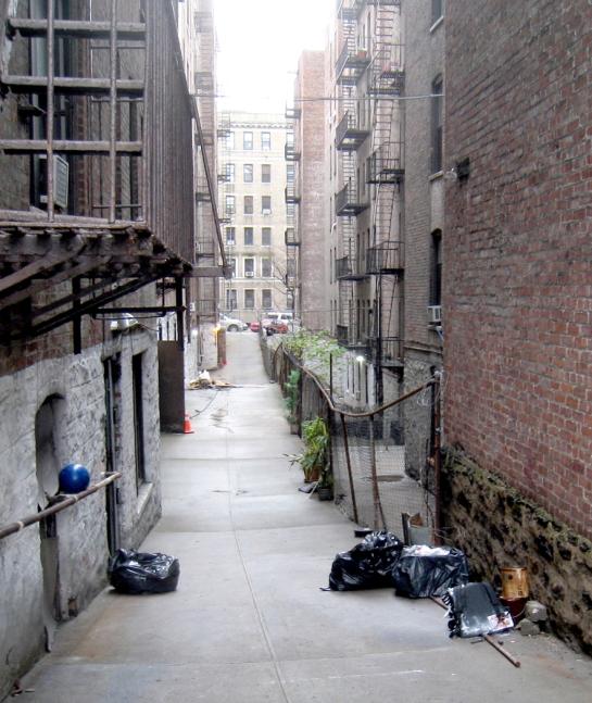 ny alleyway