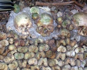 catacombs 2 - skulls