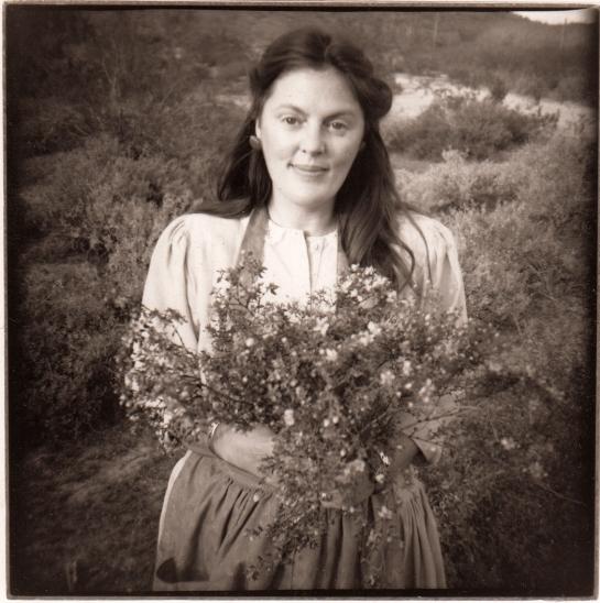 17 Carole as Flora in the desert