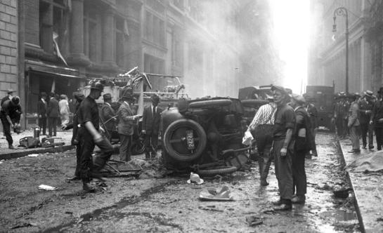 wall street bombing 1920 street scene