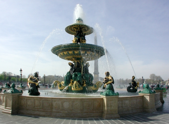 place de la concorde fountain horiz