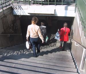 pont neuf metro stairs