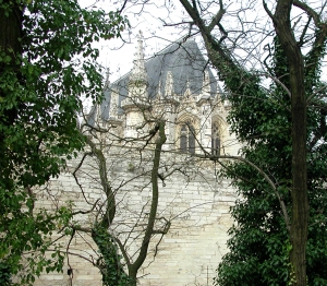 vincennes chapel and wall