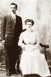 Anton and Laura Nilsen