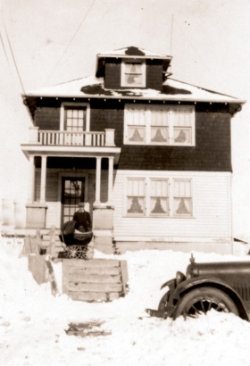 313 degraw ave 1927 in snow