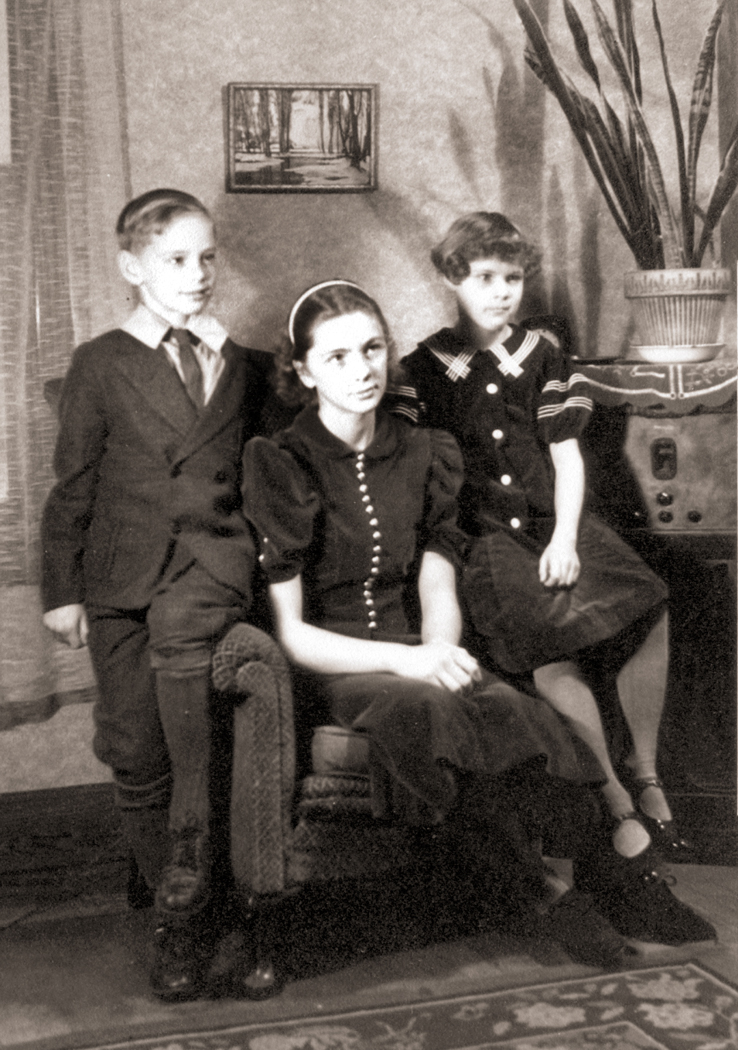 Mom, Sue and Stan as kids