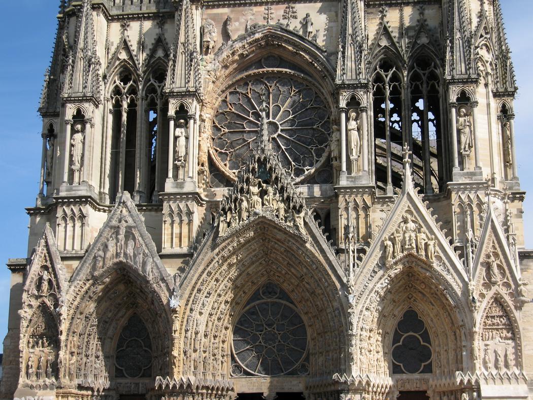 a study of medieval cathedrals John fitchen systematically treats the process of erecting the great edifices of the gothic era he explains the building equipment and falsework needed, the actual operations undertaken, and the sequence of these operations.